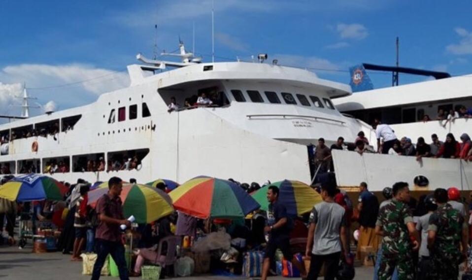 Arus mudik di Pelabuhan Ternate meningkat