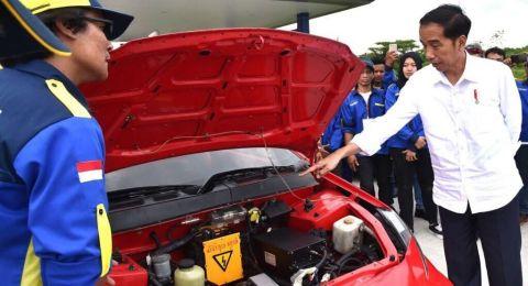 Pemerintah Mendorong Percepatan Produksi Kendaraan Listrik